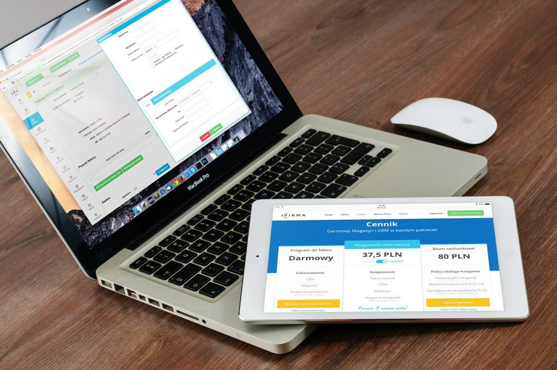 Laptop mit Webseiten